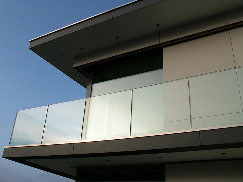 neueste balkongel nder glas rahmenlos schema garten design ideen. Black Bedroom Furniture Sets. Home Design Ideas