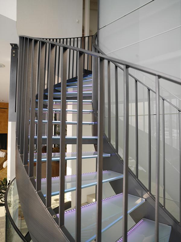 treppen stahltreppen treppen unterkonstruktionen. Black Bedroom Furniture Sets. Home Design Ideas